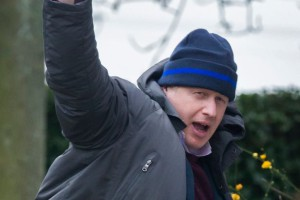 pay-Boris-Johnson-waves-as-he-leaves-his-Oxfordshire-home